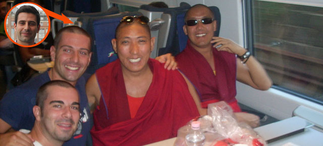 Shave hair and take a pic with Buddha ciaobasta